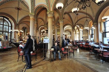 Cafe_central_wien_vienna_philipp_von_ostau_Ralf Roletschek_Wikipedia.jpg